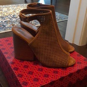 265424be1ff5 Tory Burch Jesse 100 mm Bootie